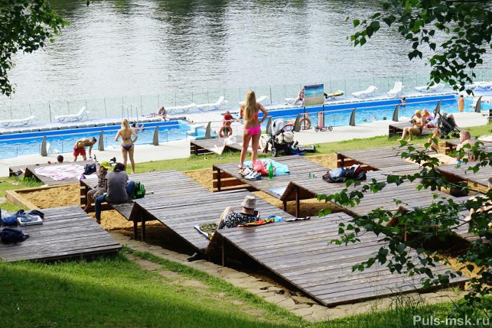 Где разрешено купаться и загорать в Москве