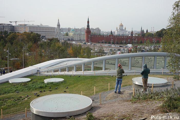Вид на Кремль и Храм Христа Спасителя